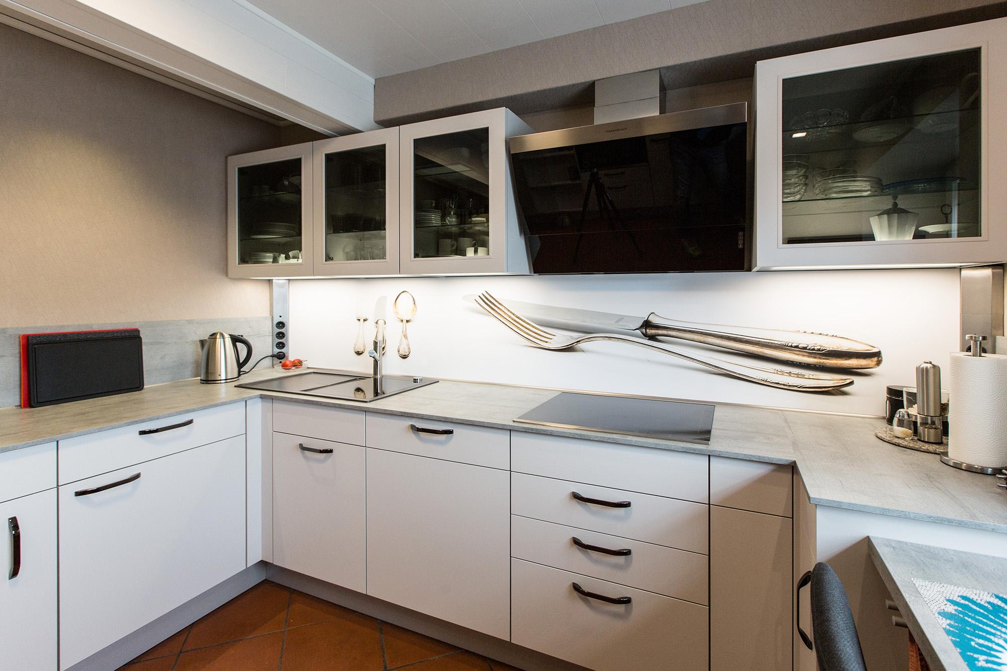 Küche von Nobilia in mattem Seidengrau - Das Einbauküchen Team