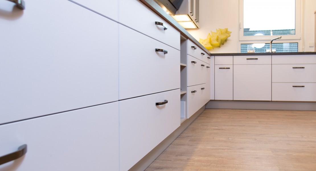 Küche von Nobilia in Weiß softmatt - Das Einbauküchen Team