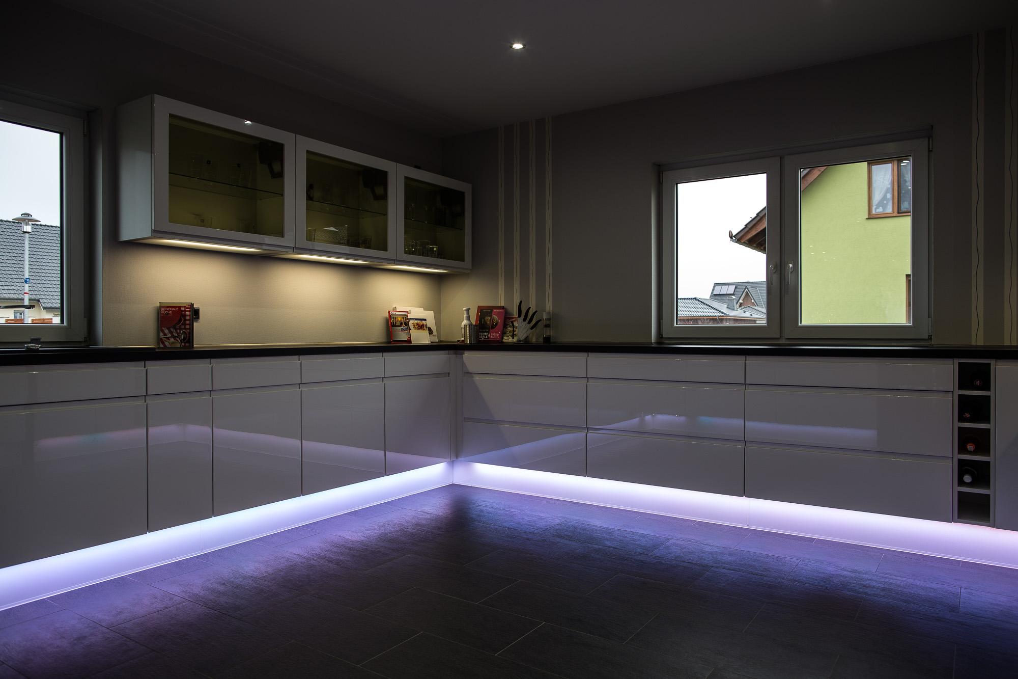 Nobilia-Küche mit exklusiver Ambiente-Beleuchtung - Das